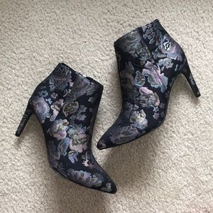 A New Day Pointed Boots